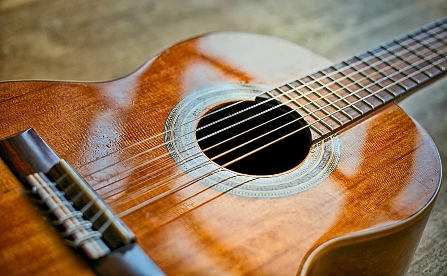mejores-cuerdas-de-guitarra-clásica
