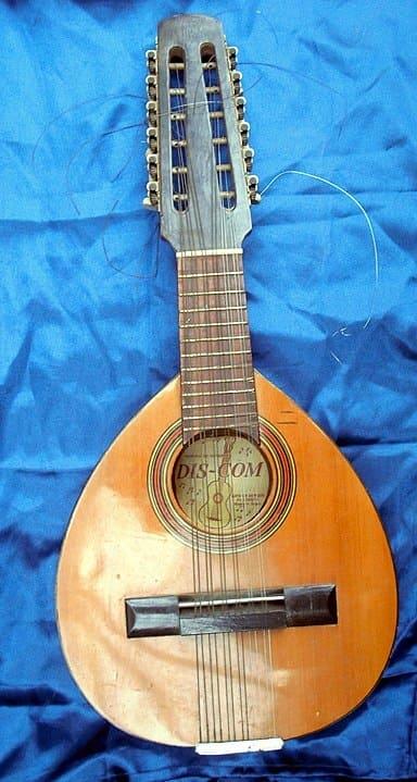 Bandurria-instrumento-tradicional-de-Espana