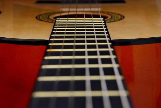 Como-cambiar-cuerdas-de-guitarra-acustica-hazlo-en-un-lugar-limpio-y-tranquilo