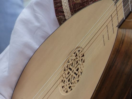 Tipos-de-instrumentos-de-cuerda-Laudes