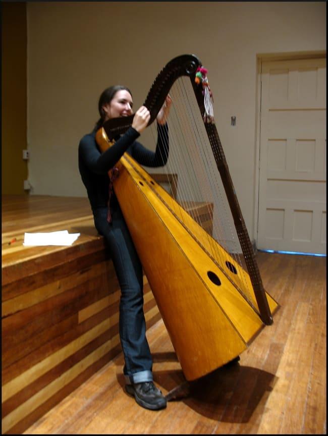 Arpa-Andina-instrumentos-musicales-peruanos