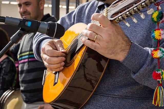 Bandurria-instrumento-de-cuerda-punteada