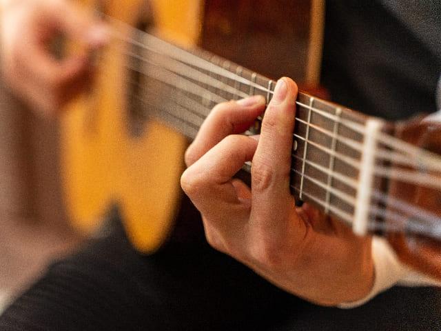 Guitarra-instrumento-de-cuerda-punteada