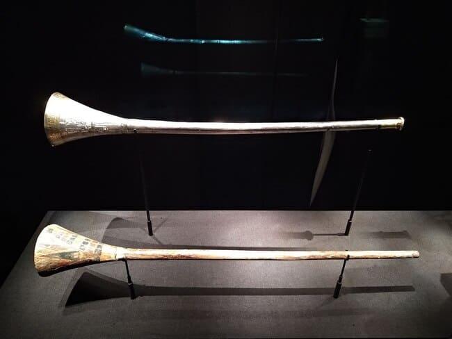 Instrumentos-musicales-antiguos-Trompetas-de-Tutankamon