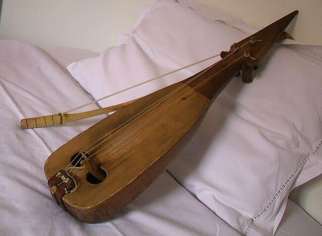 Lira-instrumentos-musicales-antiguos