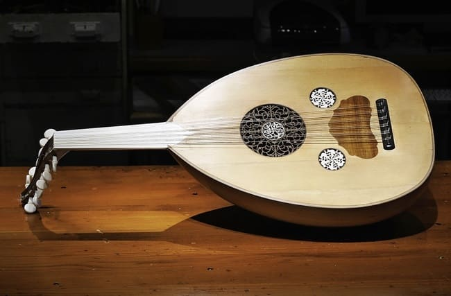 Oud-instrumentos-musicales-arabes