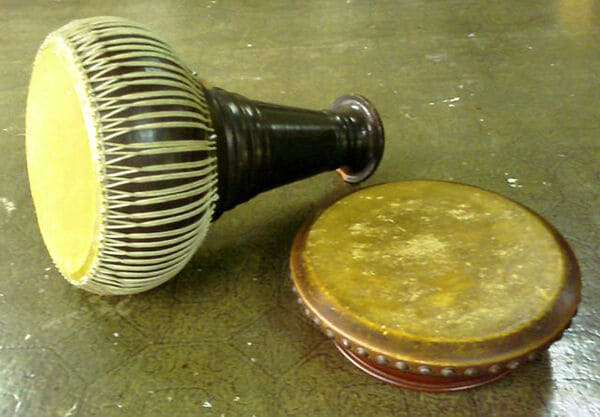 Thon-Rammana-instrumento-de-percusion